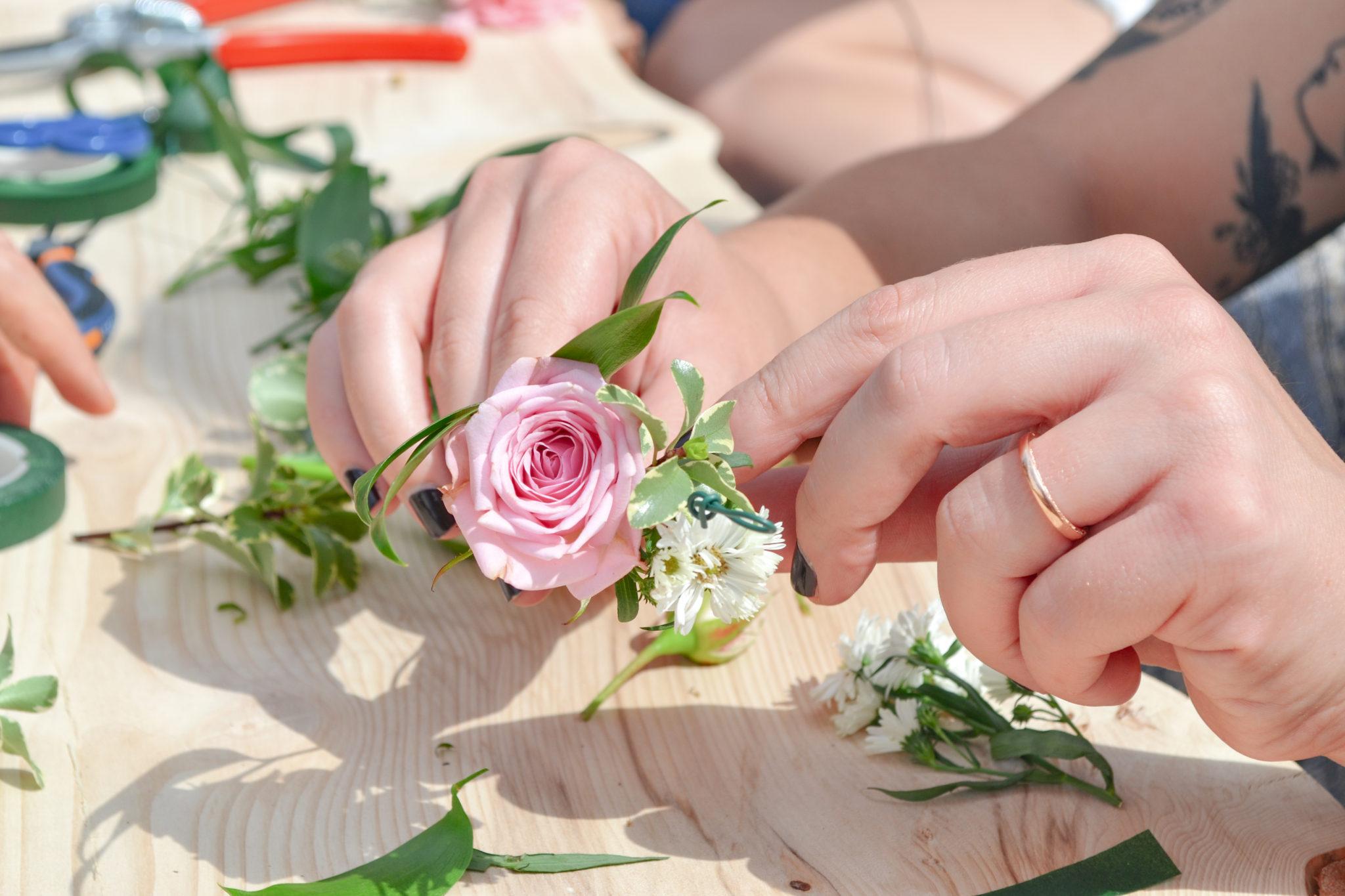 Atelier-couronnes-de-fleurs-la-petite-planete-de-zoey-27