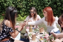 Atelier-couronnes-de-fleurs-la-petite-planete-de-zoey-EVJF-11